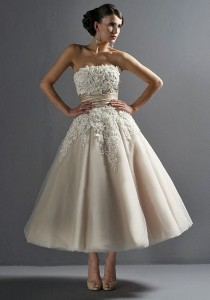 wedding photo - 2014 New Lace Wedding Dress/tea Length Short Wedding Dresses/lace Bodice Dress/ A Line Wedding Dress/ball Gown Wedding Dress