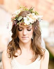 wedding photo - 10 Secrets For Long Lasting Wedding Hair