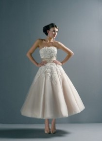 wedding photo - 1950s Lace Vintage Retro Champagne Tea Length Wedding Dress SZ 6 8 10 12 14 16