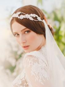 wedding photo - Bridal Veils & Headpieces Inspiration