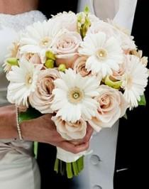 wedding photo - Gerber Daisy And Rose Bouquet.