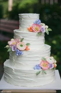 wedding photo - Rustic Buttercream & Sugar Flowers