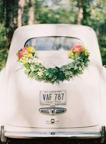 wedding photo - 10 DIY Wedding Floral How-Tos