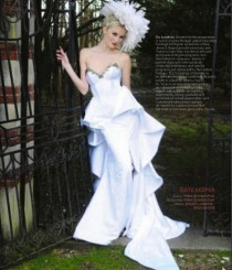 "wedding photo - Irina Shabayeva ""queen Mary"" Bridal Gown. Feather Head Piece Is Also Available"