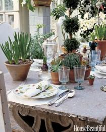 wedding photo - 12 Reasons To Dine Outside