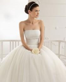 wedding photo - A-line Strapless Tea-length Tulle Lace Appliqued Wedding Dress