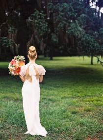 wedding photo - Classic Southern Wedding Inspiration - Wedding Sparrow
