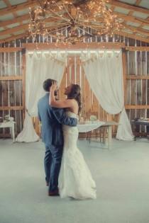 wedding photo - A Rustic Barn Wedding Full Of Romantic Southern Charm
