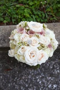 wedding photo - Bouquets To Impress