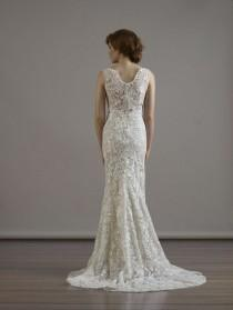 wedding photo - 22 Hot-Off-The-Runway Wedding Gowns That Look Even Better From The Back
