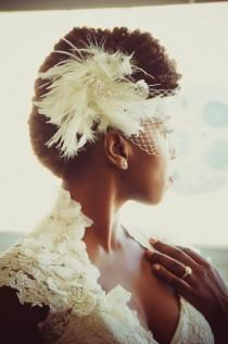 wedding photo - Unique Feather Clip And Eye Veil