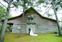 wedding photo - Featured Wedding: Jessica Benson and Luke Campbell