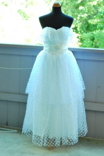 wedding photo - SWEETHEART POLKA DOT Vintage Feel Wedding Dress--Make To Measurement