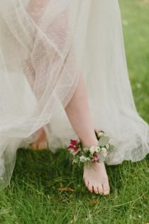 wedding photo - Floral Anklets for the Barefoot Bride
