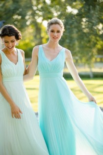 wedding photo - 3 Latest Bridesmaid Dress Trends For Spring/Summer 2015