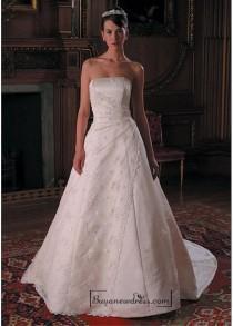wedding photo - Beautiful Elegant Exquisite Strapless Wedding Dress In Great Handwork