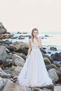 wedding photo - Whimsical Rocky Coast Wedding Inspiration