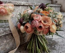 wedding photo - Autumn Leaves {Inspiration