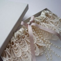 wedding photo - Je T'aime Embroidered Tulle Garter With Pearl Trim