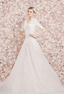 wedding photo - The Hottest 2015 Wedding Trend: 22 Flower Wall Backdrops