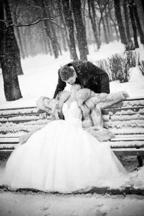 wedding photo - Winter Wedding Photo Idea