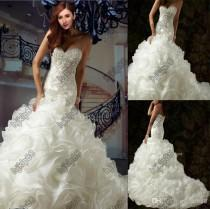 wedding photo - Luxury Wedding Dresses New Sexy Sweetheart Strapless Applique Beading Ivory/White Ruffles Organza Wedding Dress Chapel Train Bride Gowns, $120.14