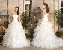 wedding photo - 2014 New Strapless Sweetheart A-line Plus Size Sexy Lace Up Wedding Dresses Ruffles Organza Handmade Flower Chapel Train Bridal Gowns 2013, $120.16