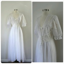wedding photo - Vintage, 2 piece Lingerie Set, Bridal Lingerie, White, lace, Corseted waist