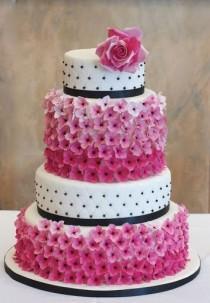 wedding photo - Unique Cakes
