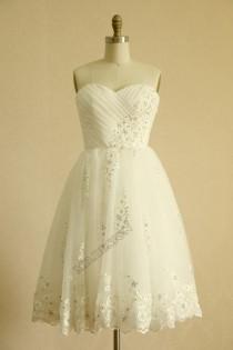 wedding photo - Vintage Inspired Taffeta Tulle Beaded Lace Wedding Dress Strapless Sweetheart Knee Length Short Dress
