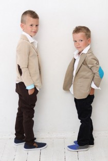 wedding photo - Boys blazer Boys Wedding outfit Baptism Ring bearer suit Tan Sweatshirt jacket with elbow patches Boys clothes clothing Back to school