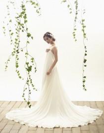 wedding photo - Fashion Friday: Vania Romoff Bridal