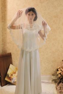 wedding bridal lace mantilla veil 50x50 fingertip length alencon lace
