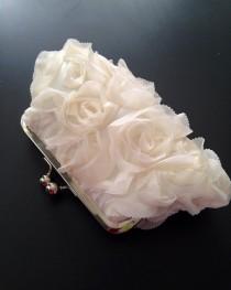 wedding photo - Fairy Tale Wedding - Rosette Ivory Clutch