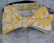 wedding photo - Men's Bow Tie in Yellow Block Print- Self tying - freestyle - Groomsmen gift and ring bearer outfit