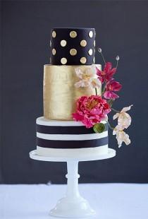 wedding photo - Dark Wedding Cakes