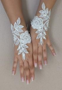 Ivoire de mariage Paire de gants, gants de dentelle ivoire, gants Paire de  mitaines a9d24e1bf3d6