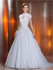 wedding photo - 2014 New Strapless Tulle Applique Beaded A-Line Zipper Wedding Dresses White/Ivory Ruffles Garden Wedding Bridal Gown Free Bolero Jacket, $129.06