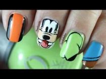 wedding photo - Disney Nail Art *goofy*