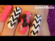 wedding photo - Chevron Nails With 3-D Bow