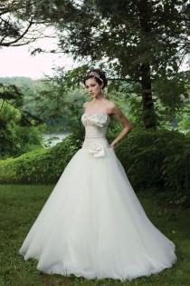 wedding photo -  Secret Love For Wedding Dresses
