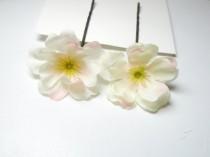 wedding photo - White blossom hair pins set of 2 // bridal hair clips, bridesmaid hair accessory, flower bobby pins, rustic flowers, wedding bobbies