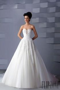 wedding photo - Strapless Wedding Dress Inspiration