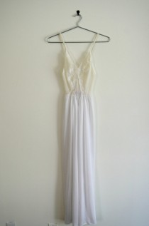 Bridal White Sheer Lace Nightgown Vintage 70s XS 48dba6bad