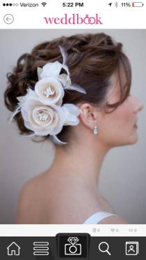 wedding photo - hair accessory