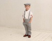 wedding photo - Ring bearer outfit Wedding party outfit Family photo prop outfits ideas Boys linen suit Boys pants Flat hat Linen suspenders Rustic wedding