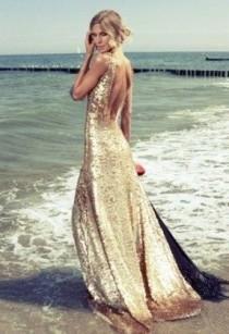 "wedding photo - Community Post: 63 Ideas For Your ""Little Mermaid"" Wedding"