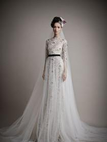 wedding photo - Long Sleeved & 3/4 Length Sleeve Wedding Gown Inspiration