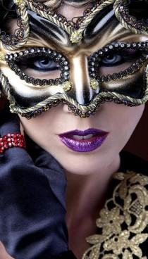 wedding photo - Behind The Mask ♛