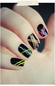 wedding photo - 15 Easy Stripe Nails For Beginners